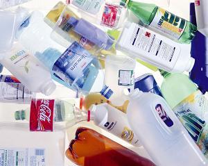 Just Like Magic – Japanese Scientist Turn Plastic Into Oil [VIDEO]