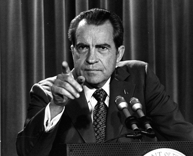Richard Nixon - gang activity
