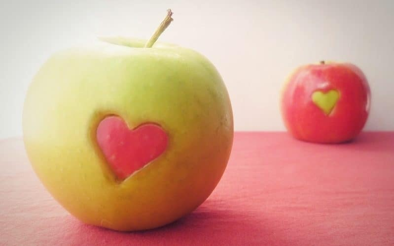 You Won't Ever Forgot This Teacher's Life Lesson About Apples