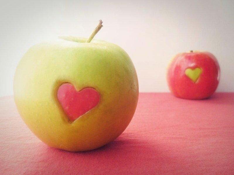 happy-apple-love